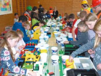 API-Legostadt in der Neuweiler Halle mit unglaublich kreativen Kindern