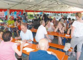 Neuweiler Feuerwehrhocketse ein Fest für die Leute am Ort